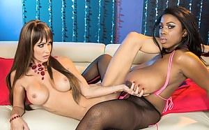 Big Boobs Lesbian Tribbing Porn Pictures